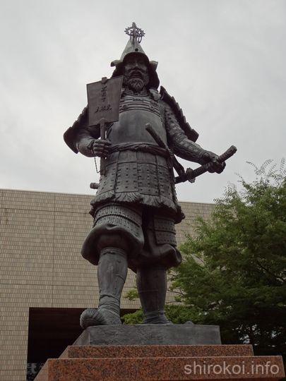 津軽弘前藩 初代藩主 津軽為信公の銅像