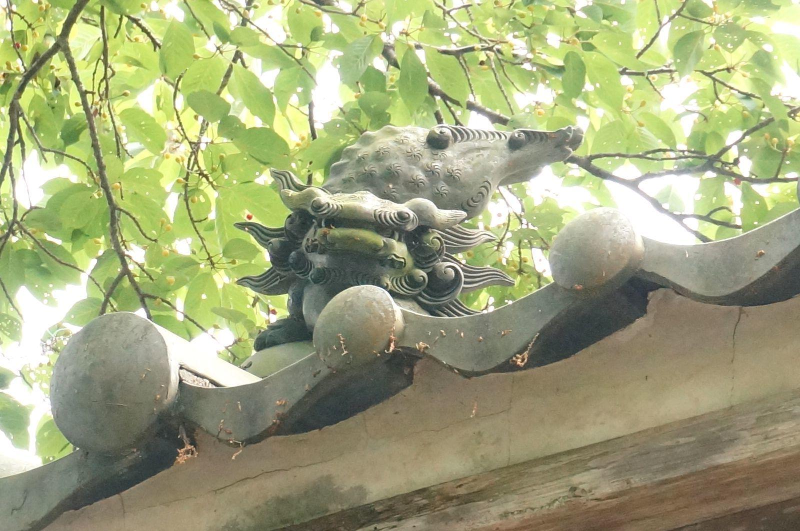 高天神社の屋根にあった不思議なもの