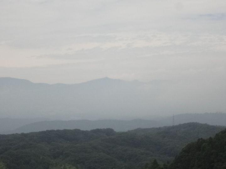 天守台から安達太良山が見える