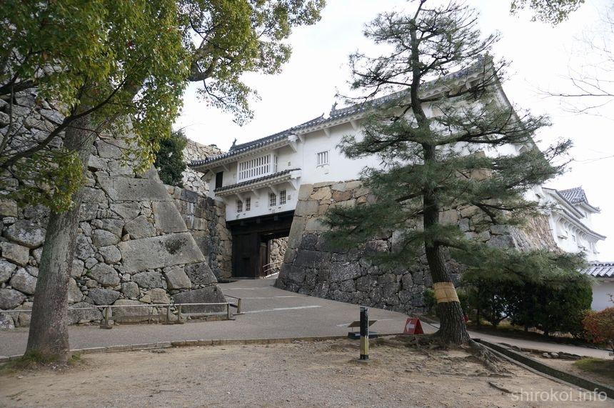 姫路城 「ぬの門」