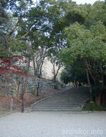 二ノ丸への石段