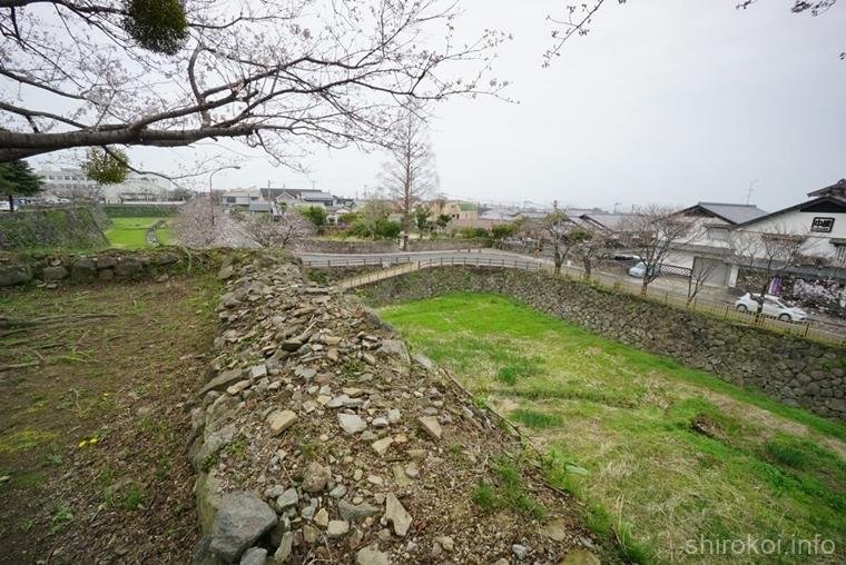 本丸東側の堀