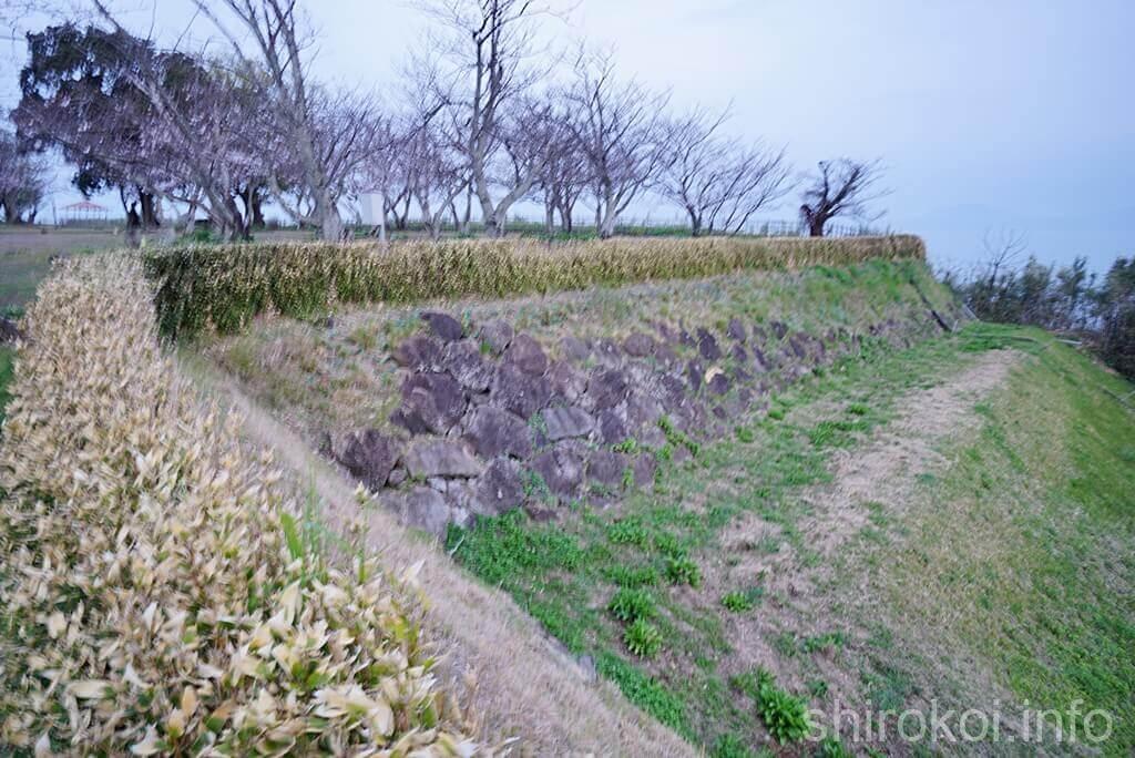 原城 櫓台から本丸奥を撮影