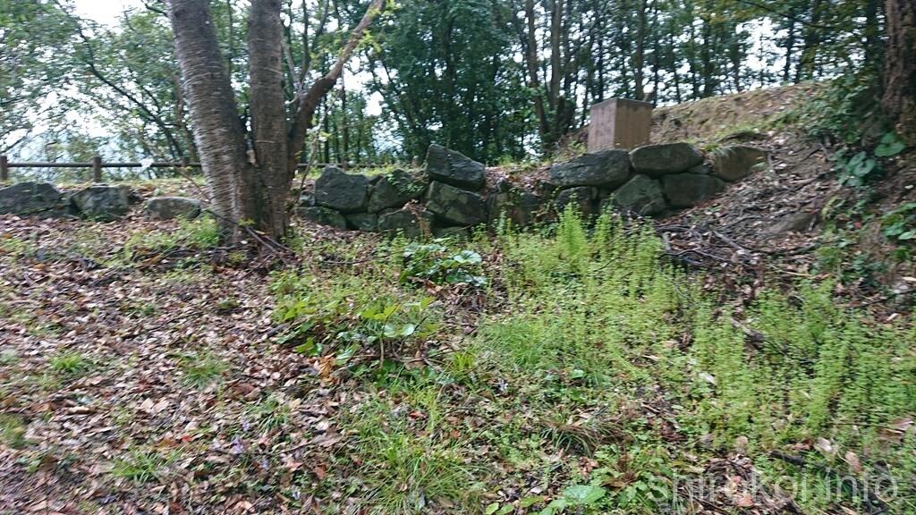 久玉城 桝形虎口の石垣