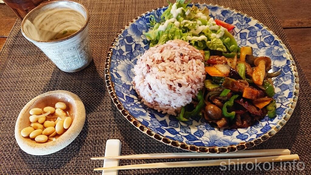 小豆カフェ 豚肉の八角ソース炒め