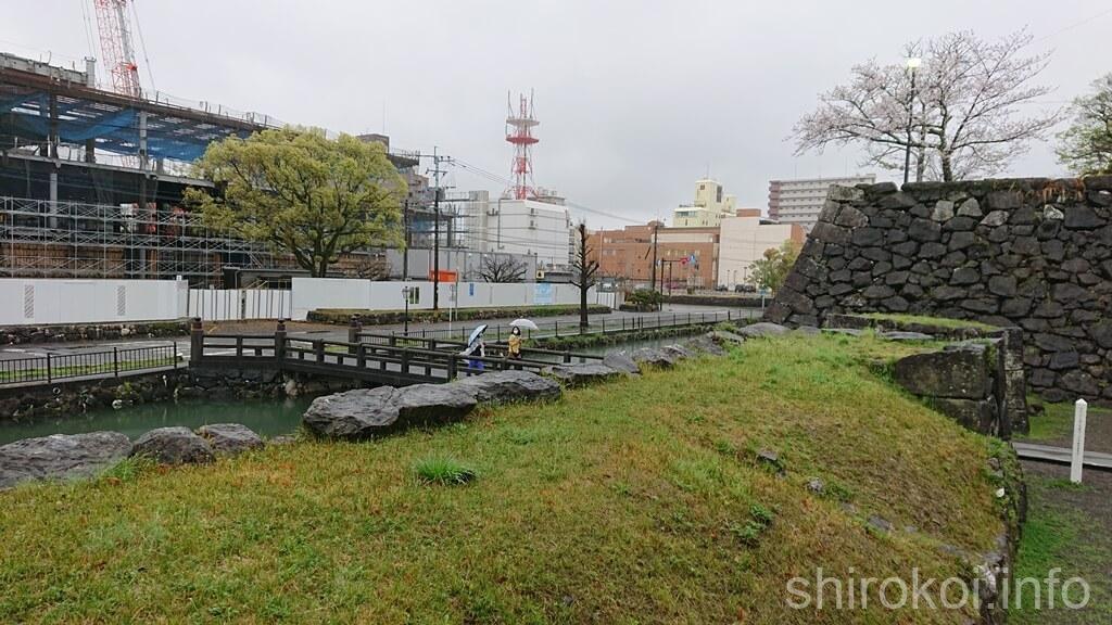 八代城 欄干橋を眺める